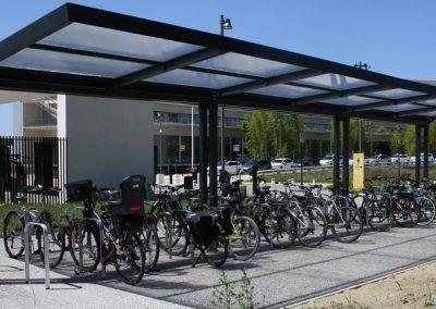 Abri à vélos métallique